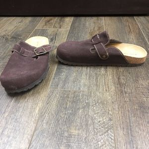 Airwalk Brown Closed Toe Slip On Shoes  size 8 1/2